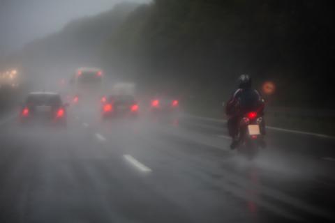 moto_lluvia
