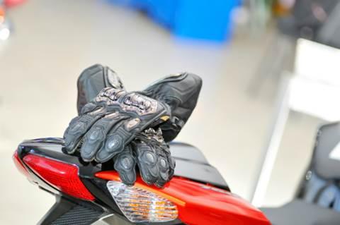 seguridad-motoristas-guantes
