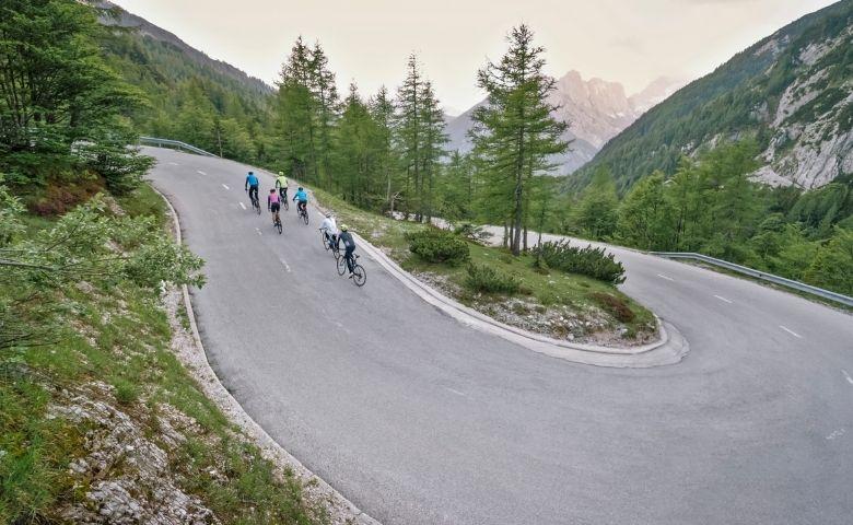 El adelantamiento a ciclistas