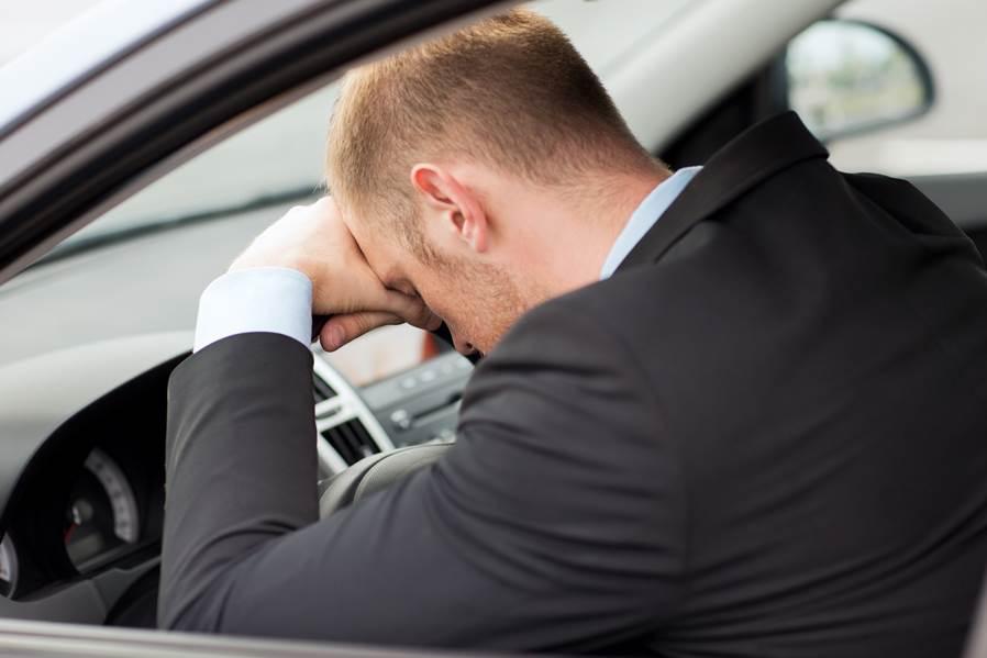 ¿Cómo evitar la fatiga al volante?