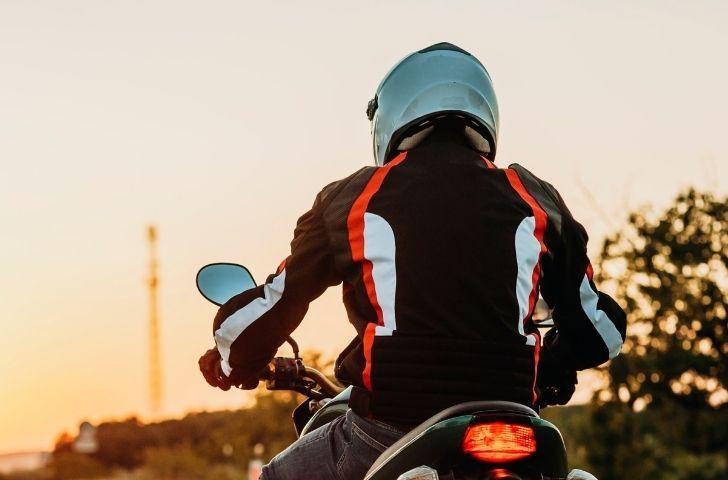 La importancia de elegir un casco de moto
